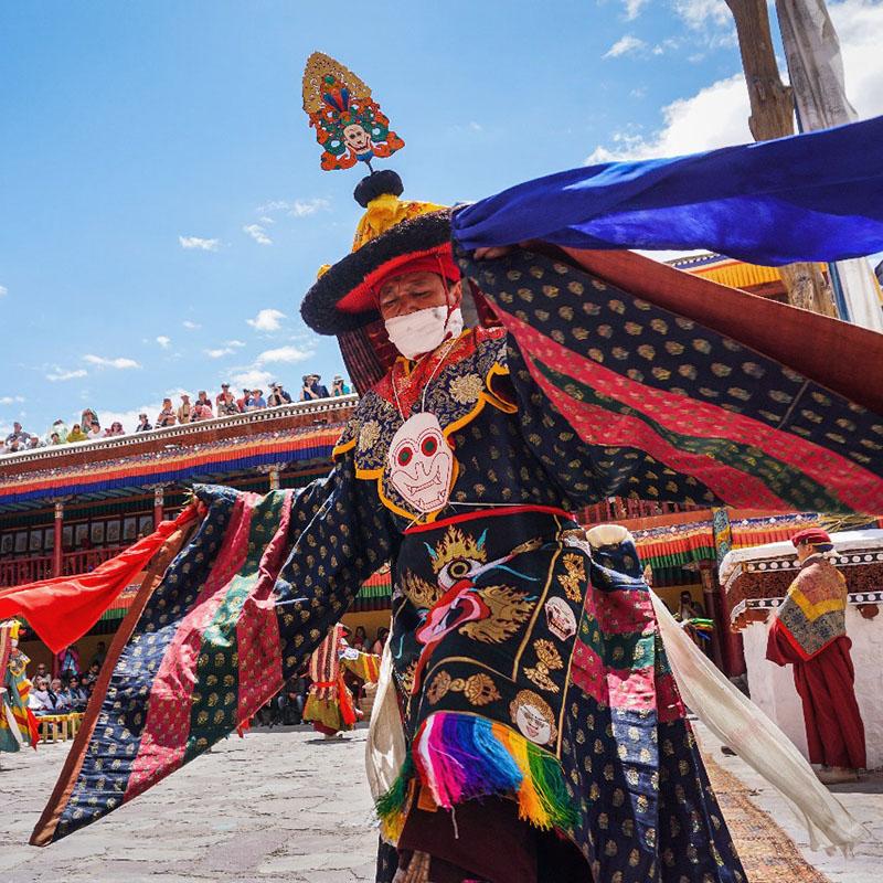 Viaje a Bután - Señora Sheldon Agencia de Viajes